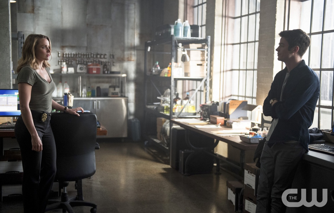 The flash season 2 recap and review the reverse flash returns - The Flash The Reverse Flash Returns Image Fla211a_0353b