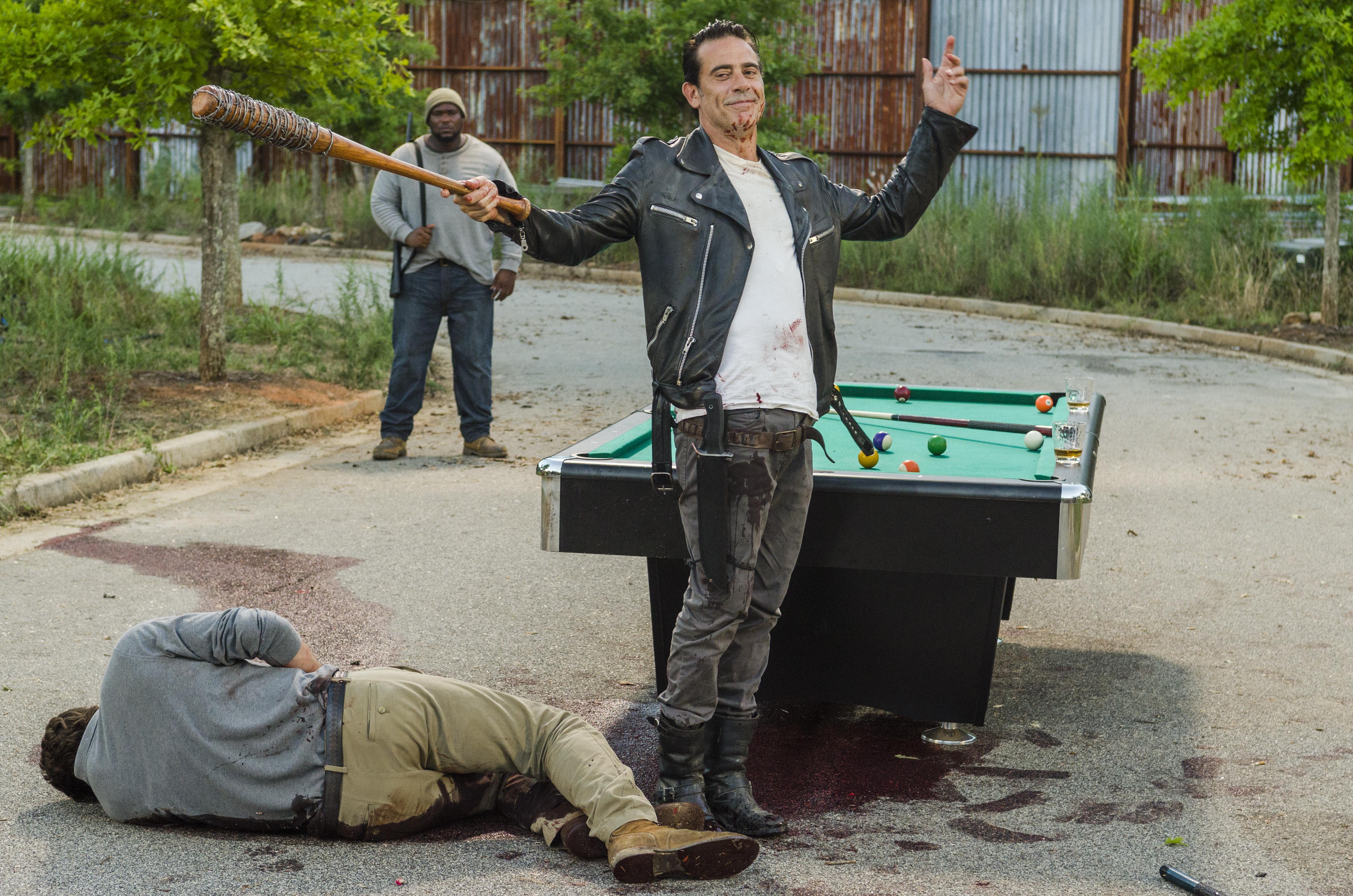 What Season Is The Walking Dead On - The walking dead